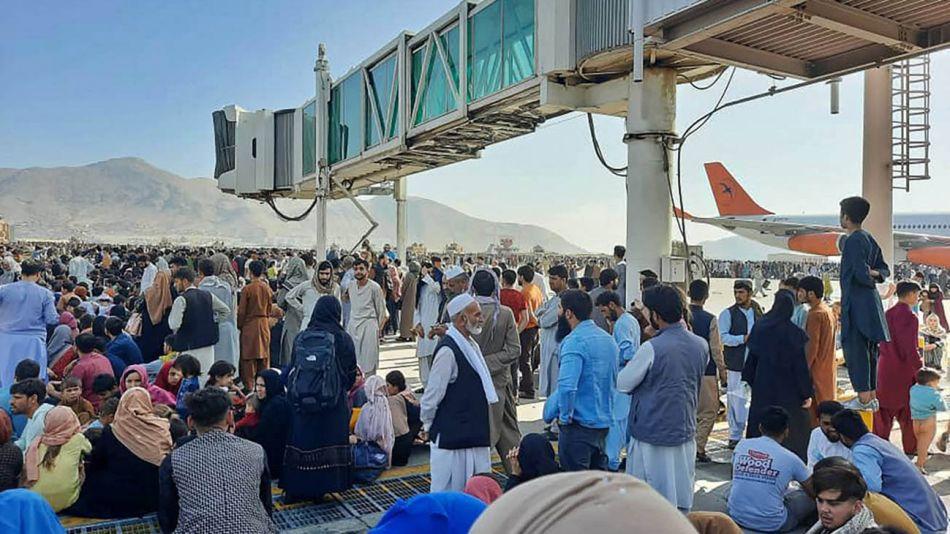primer día de Afganistán bajo gobierno Talibán 20210817