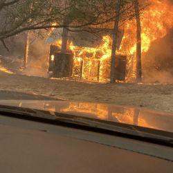 Los incendios ya destruyeron numerosas viviendas y hay cientos de evacuados.
