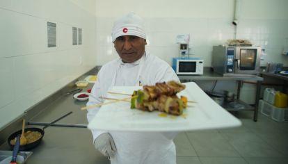 Los detenidos que estudiaron la carrera de cocinero profesional en el penal de San Martín.