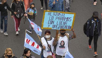 Manifestaciones en la av 9 de julio y cortes de calles.