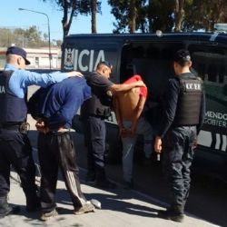 Los dos cazadores furtivos fueron detenidos por la Policía Rural de la Delegación del Valle de Uco, Mendoza.