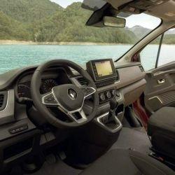 Se destaca la pantalla táctil de ocho pulgadas para manejar el sistema de infoentretenimiento Renault Easy Link.