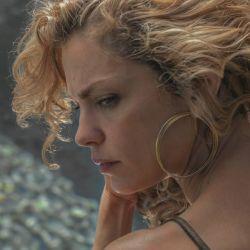 Dolores Fonzi como Carola en Distancia de Rescate.