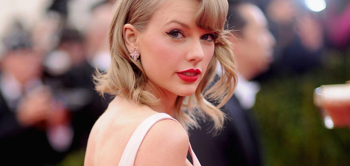 El vestido de lino de Taylor Swift en TikTok se agotó instantáneamente
