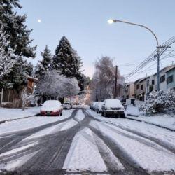 La intensa nevada comenzó puntualmente sobre las 6:20 de la madrugada de este jueves 26 de agosto.