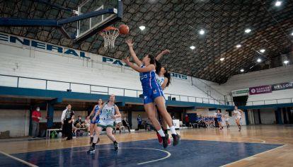 """TRAPIELLA. """"Es difícil que en los colegios enseñen básquet. Hay que visibilizar a las mujeres que lo practican."""