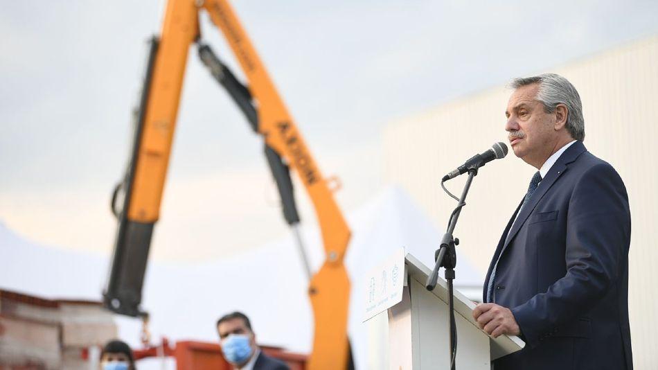 Alberto Fernández, hablando en Chaco en el acto por el Día de la Industria.