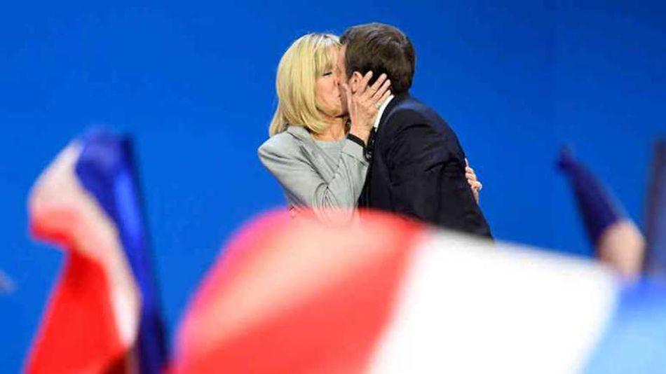 Macron y su esposa 20210902