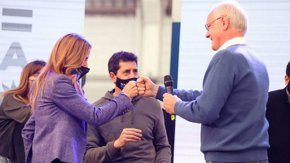 Victoria Tolosa Paz y Daniel Gollan, junto a Wado hace unos días en un acto en Tres de Febrero.