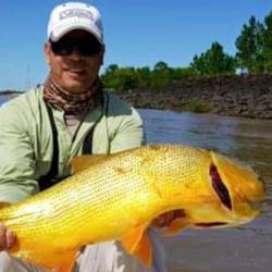 Tiene tantos amigos de la pesca que terminó reuniendo una importante cantidad de pescadores que lo eligen para sus salidas.