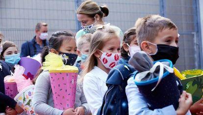 En Reino Unido se debate sobre si hay que vacunar a menores de edad