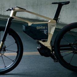 La bicicleta por momentos se acerca mucho a las prestaciones de una moto.