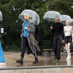 Modelos caminan por la pasarela de Monse Resort 22 durante la NYFW: The Shows en la ciudad de Nueva York. | Foto:Cindy Ord / Getty Images for Monse / AFP