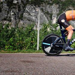 La holandesa Ellen Van Dijk compite durante los campeonatos europeos de ciclismo de carretera Elite en Trento.   Foto:Alberto Pizzoli / APF)