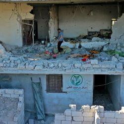La imagen muestra un edificio que alberga el único centro médico de la región de Jabal az-Zawiya, en el noroeste de Siria, alcanzado por un bombardeo.   Foto:Omar Haj Kadour / AFP