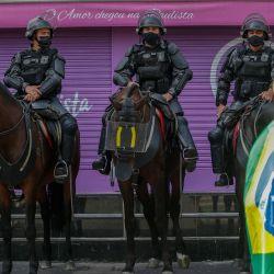 Un hombre participa en una manifestación en apoyo del presidente brasileño Jair Bolsonaro en Sao Paulo, Brasil.   Foto:Miguel Schincariol / AFP