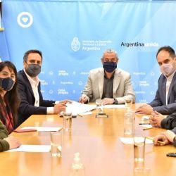 El acuerdo fue firmado entre el Ministerio de Desarrollo Territorial y Hábitat de la Nación y el de Ambiente y Desarrollo Sostenible.