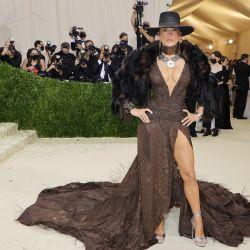 Jennifer López asiste a la Gala Met 2021 Celebrating In America: A Lexicon Of Fashion en el Metropolitan Museum of Art en la ciudad de Nueva York. | Foto:Mike Coppola / GETTY IMAGES NORTH AMERICA / Getty Images vía AFP
