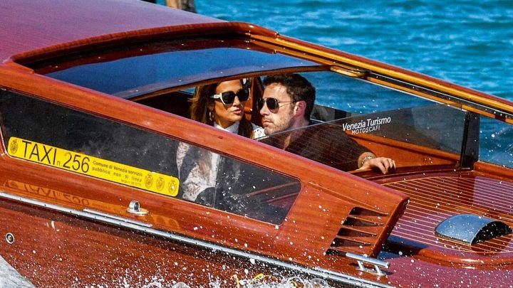 FOTOS| Jennifer López y Ben Affleck enamoradísimos en Venecia