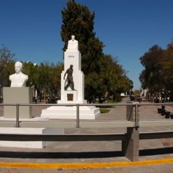La plaza central de la capital chubutense.