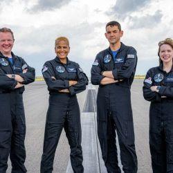 La tripulación está conformada por 4 personas: Jared Isaacman, Hayley Arceneaux, Sian Proctor y Chris Sembroski.
