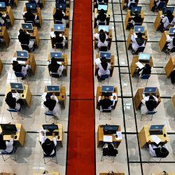 Candidatos a funcionarios del Estado realizan una prueba en Banda Aceh. | Foto:Chaideer Mahyuddin / AFP