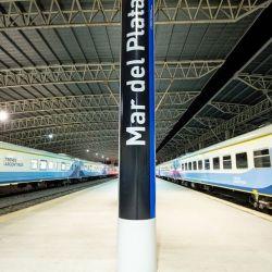 Desde La Feliz el tren hacia Constitución sale diariamente a las 14:07 y a las 23: 44-