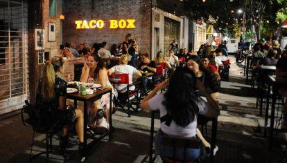 Ciudad de Buenos Aires: se amplía el aforo y los horarios de los bares