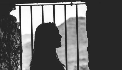 Cifras y testimonios reales: cómo es la cruda realidad de las minorías sexuales en las cárceles