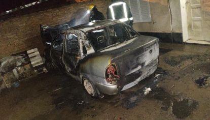 Así quedó el auto de Romina González tras el ataque de su ex pareja Eduardo Watson