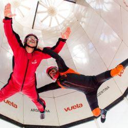 Como los astronautas, en Vuela se puede vivir la experiencia de flotar en un túnel de viento.