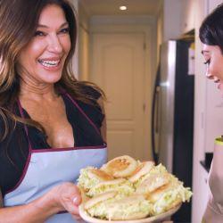 Cathy Fulop y su hija Tiziana en el primer envío de Mi mejor plato.