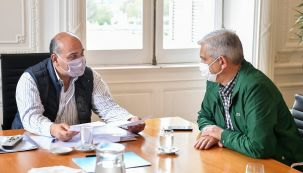 El jefe de Gabinete Juan Manzur, en ronda de reuniones en Casa Rosada.