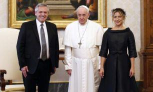 Alberto Fernández, el Papa Francisco y Fabiola Yáñez