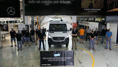 Mercedes-Benz producirá un nuevo motor en Argentina