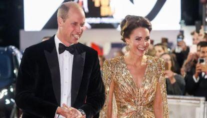 Kate Middleton como nunca antes: Transparencia, escote y brillo