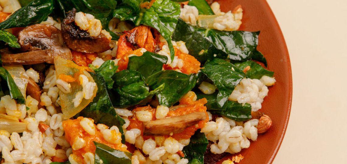 Narda Lepes nos comparte dos ensaladas únicas con cebada