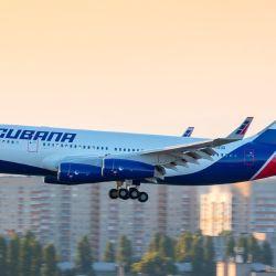 El horario estimado de llegada al Aeropuerto Jose Martí será a las 08:30 desde la terminal aérea de Ezeiza en Buenos Aires.