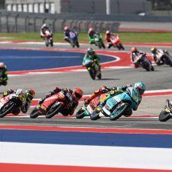 Deniz Oncu lidera la carrera durante el MotoGP Of The Americas - Race en Austin, Texas.   Foto:Mirco Lazzari gp/Getty Images/AFP