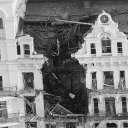 El 12 de octubre de 1984 el Ejército Republicano Irlandés Provisional (IRA) dejó una bomba de tiempo en el Grand Hotel de Brighton.