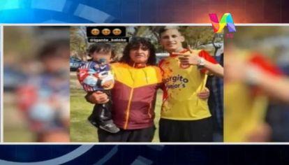 """Polémica por foto de L-Gante con ex líder de """"Los Monos"""""""