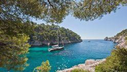 Catamaranes y barcos privados para vivir un verano con burbuja propia