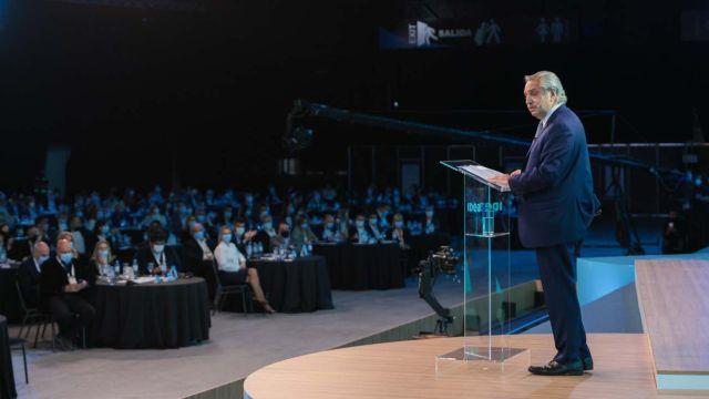 Alberto Fernández, anuncia el fin de la doble indemnización y su rechazo al cambio de sistema.