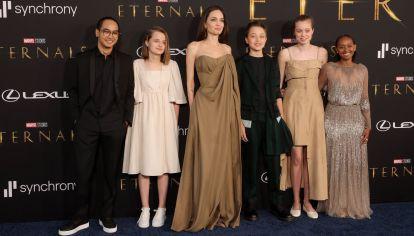 Angelina Jolie hereda a su hija Zahara el icónico vestido de los Óscar