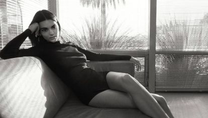 Kendall Jenner tiene el look con mom jeans perfecto para primavera