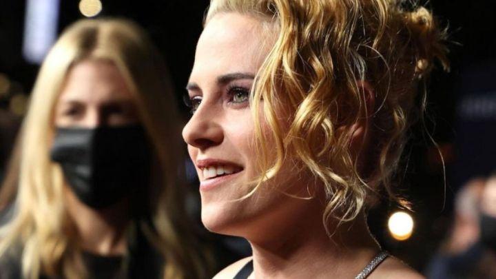 Kristen Stewart deslumbró vestida por Chanel, en la premiere de Spencer