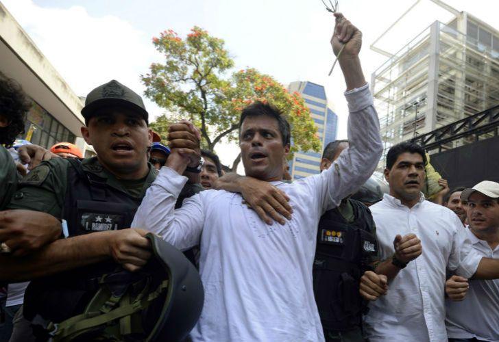 Leopoldo López quedó bajo arresto de la Guardia Nacional Bolivariana.