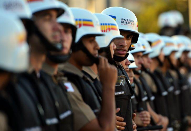 En las afueras de los estadios de Belo Horizonte y Fortaleza, las protestas dejaron un saldo de 18 detenidos.
