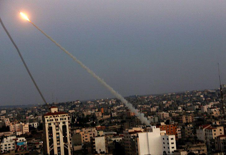 Bombardeos aéreos israelíes en la Franja de Gaza, que dejaron más de cien muertos y 700 heridos.