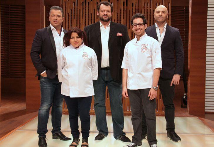 Equipo. Los finalistas con el jurado: Donato de Santis, Christophe Krywonis y Germán Martitegui.
